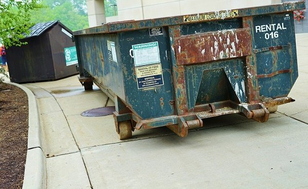 How to prepare a drive for dumpster delivery